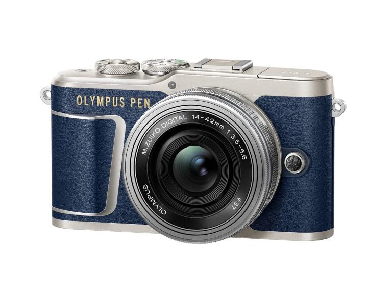 Nota de prensa: Pasión por la moda vaquera. Olympus lanza una versión especial de su últma cámara pen en azul. C34_epl9_blue_right_1442ez_slv_img_768
